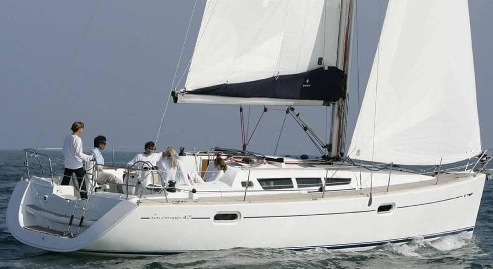kavala-yacht-jeanneau-42i